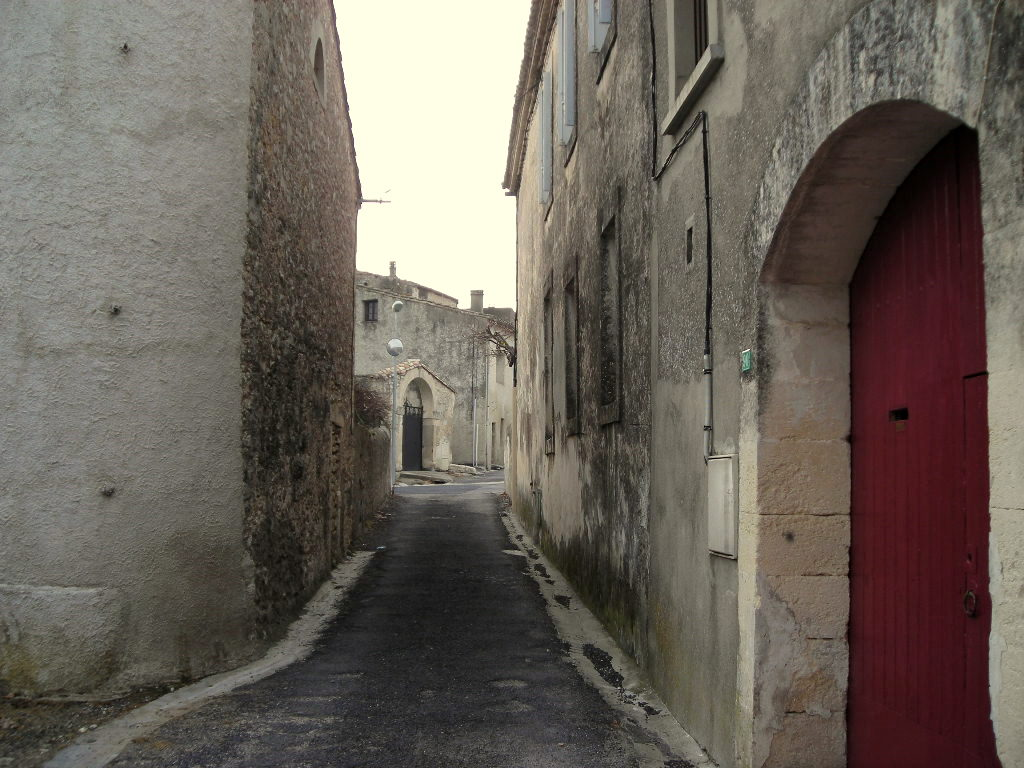 St-Hilaire-de-Beauvoir : la rue de l'Abreuvoir (2). - La partie basse, vers l'avenue de Galargues